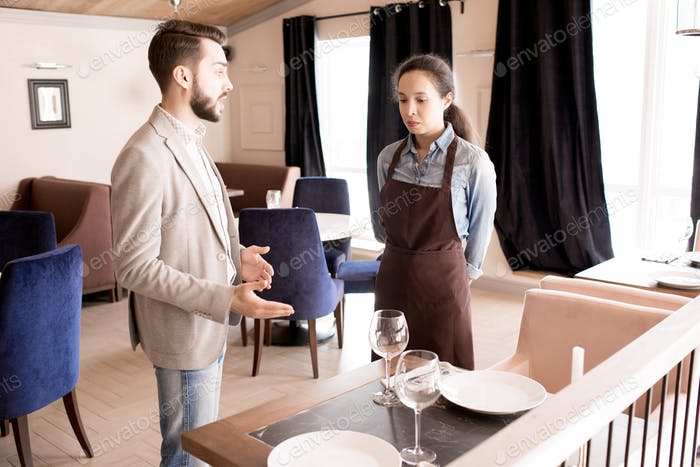 Furious restaurateur reporting waitress