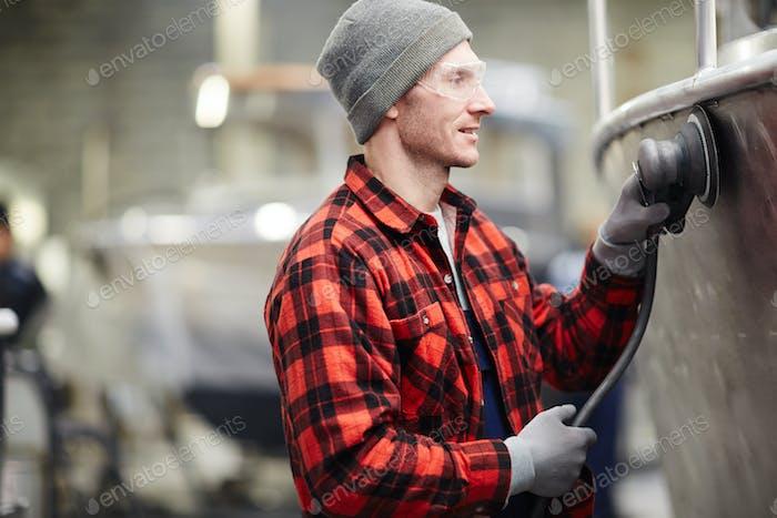 Polishing motorboat
