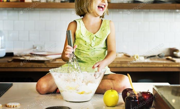 Mädchen Kochen Backen Spaß Genuss Konzept