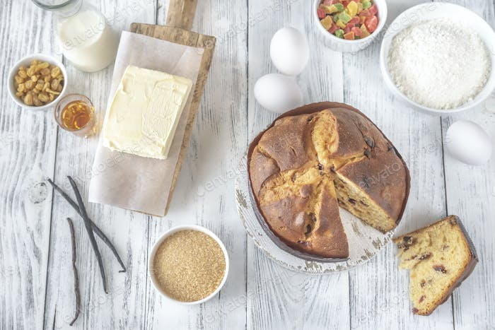 Panettone with ingredients