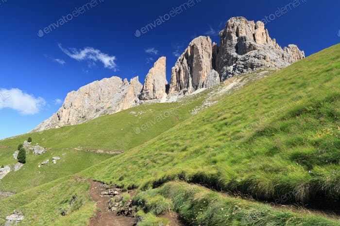 hike beneath Sassolnugo mount