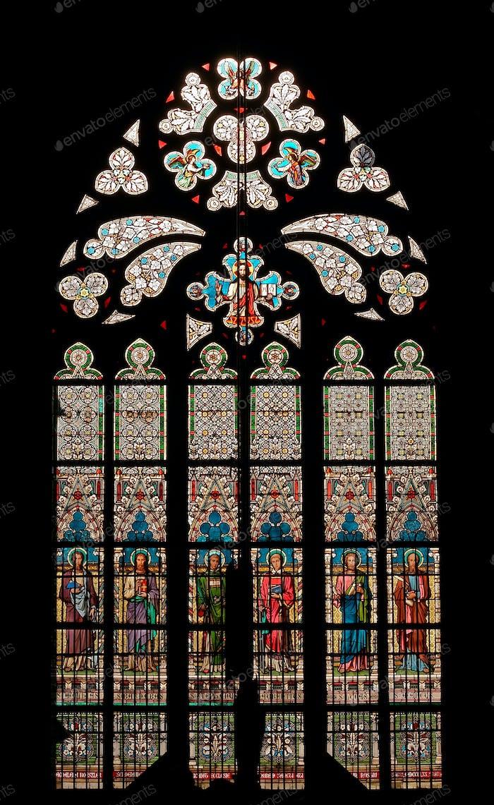 Gothic window - bullseye pane