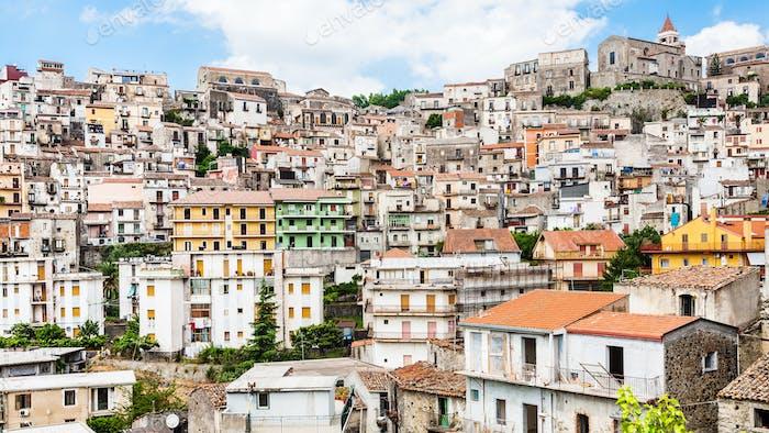 Panorama der Stadt Castiglione di Sicilia auf Sizilien