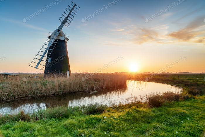 Halvergate Windmill on the Norfolk Broads