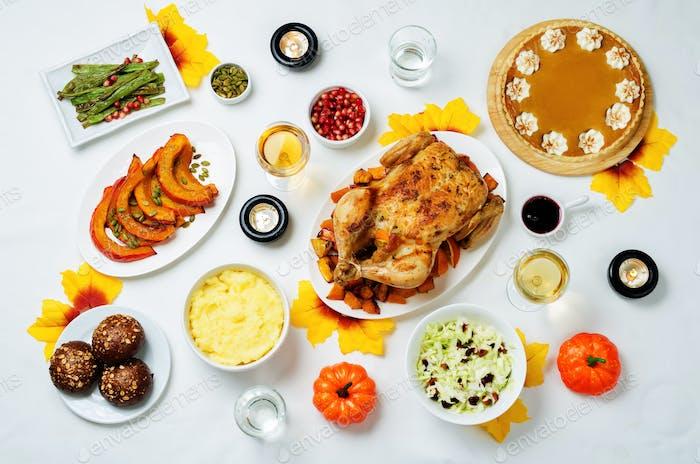 Autumn Thanksgiving main dish table setting