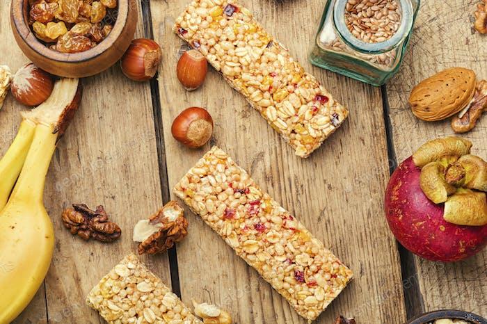 Tasty granola bars