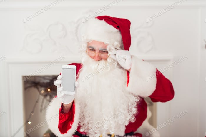 santa claus shows blank screen on a smart phone display