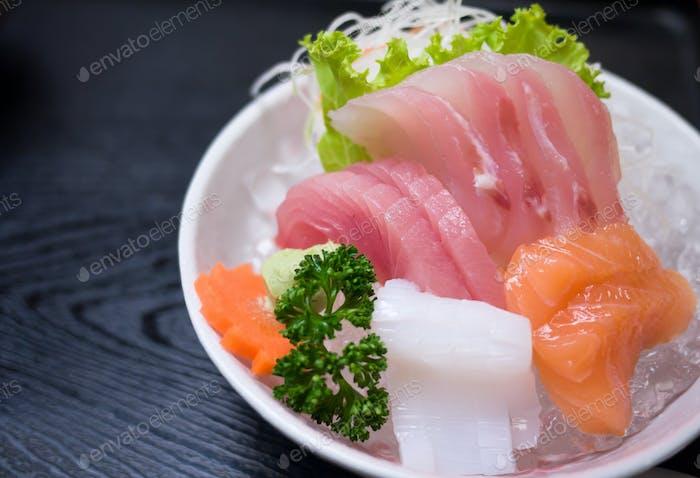Sashimi served on ice