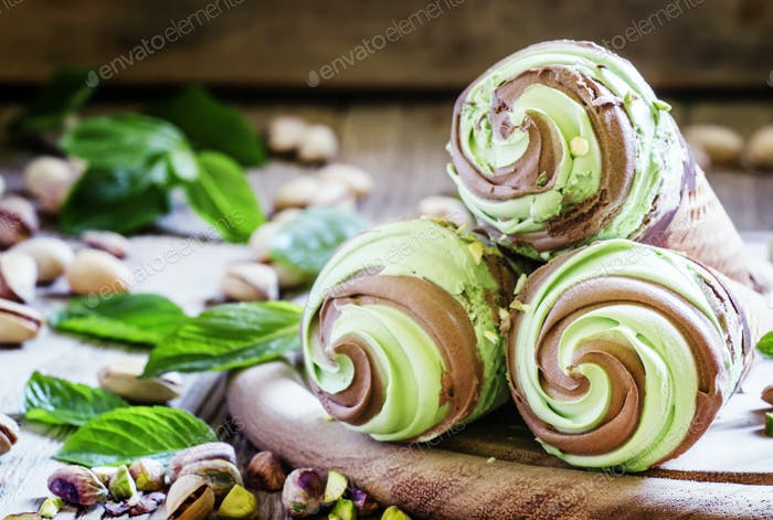 Green pistachio ice cream