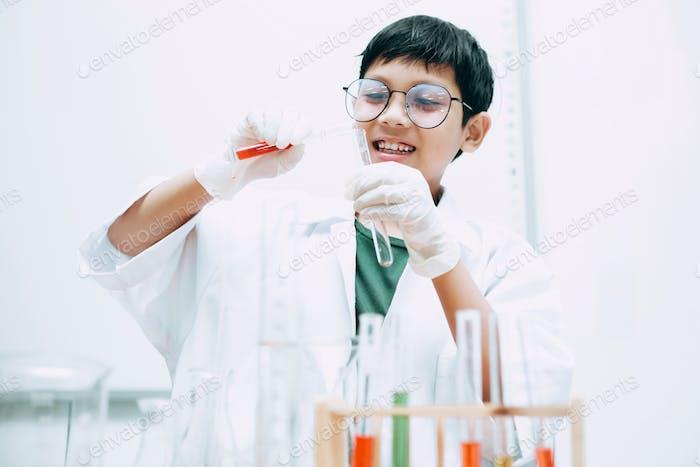 Estudiante de Ciencias Asiáticas