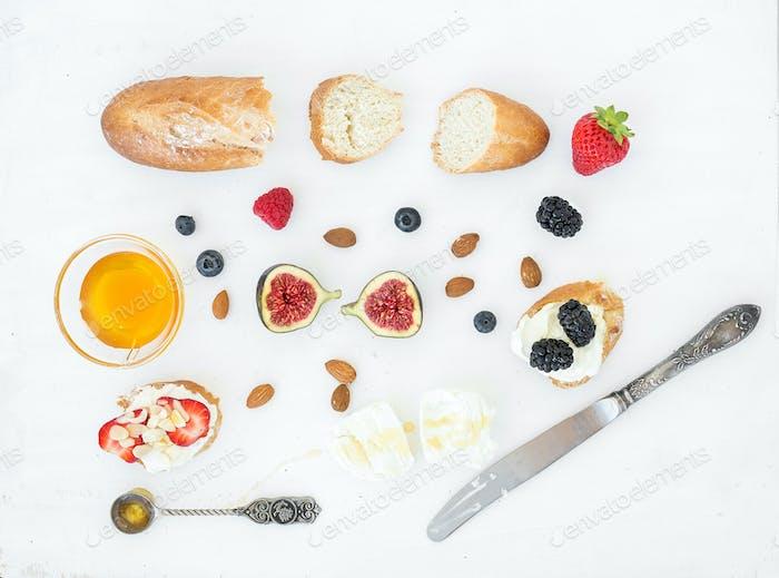Käse-, Brot- und Beeren-Set