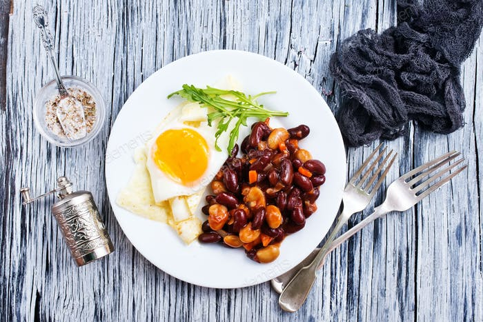 fried bean with fried eggs