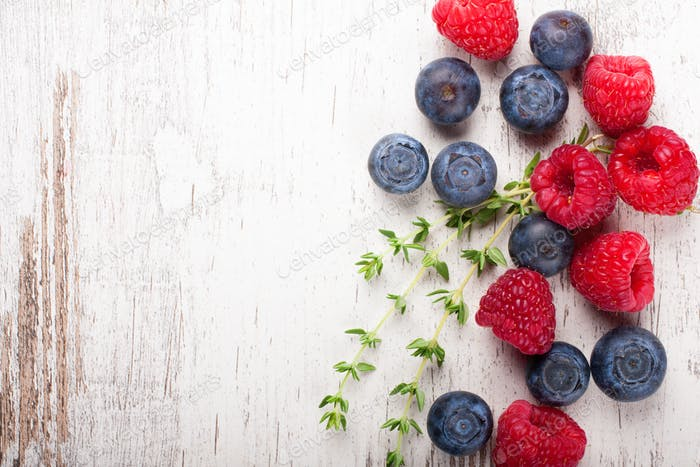 Berries mix with thyme