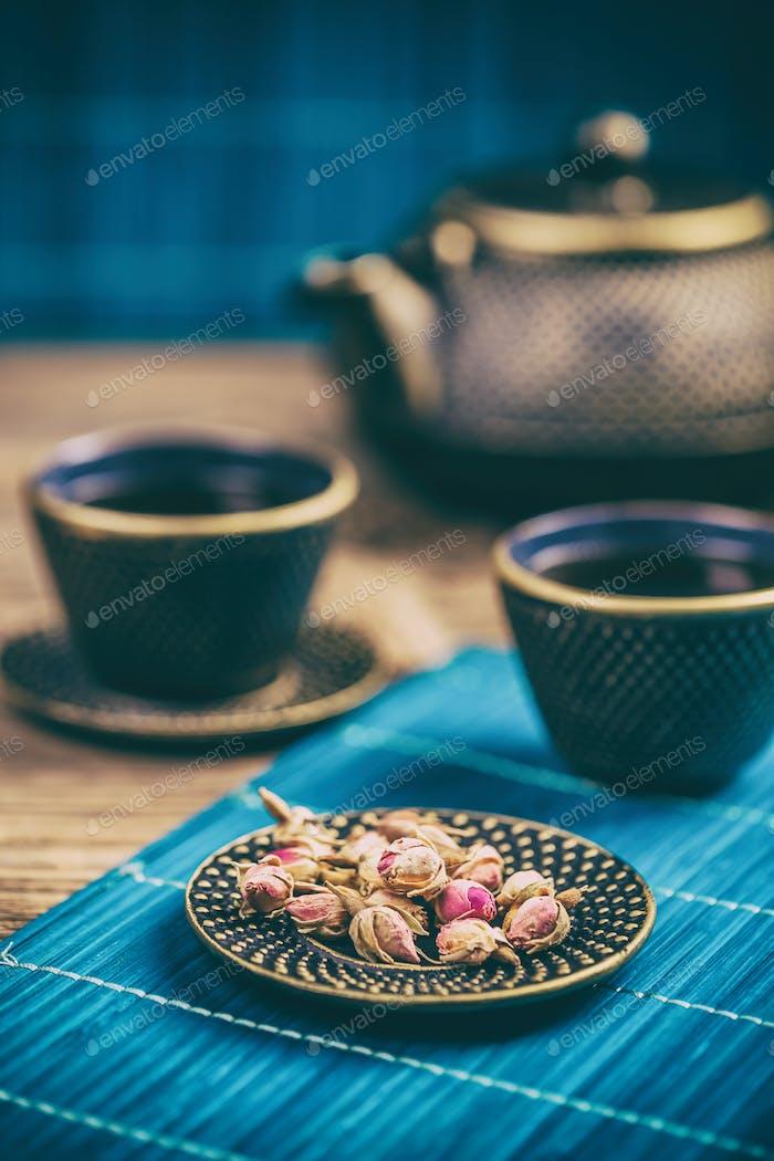 Brotes secos de té de rosa