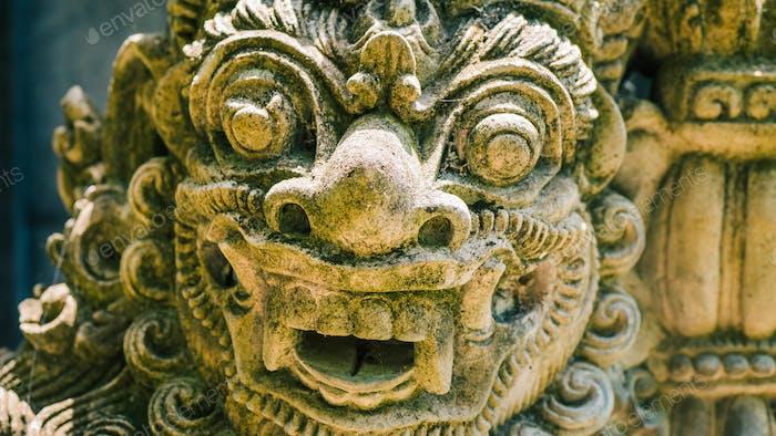 Традиционная балийская скульптура искусства и культуры на Бали, Индонезия