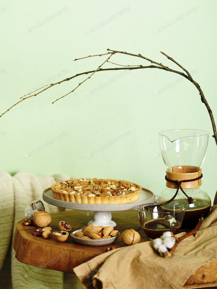 Nutty Tart Cake with Almonds