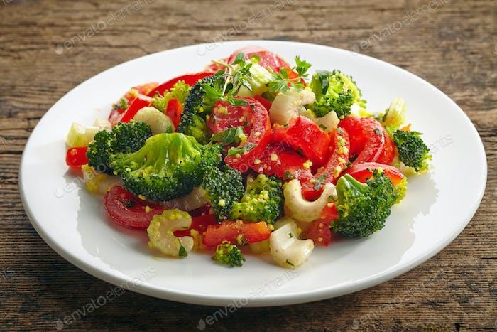 Couscous Salat mit Gemüse