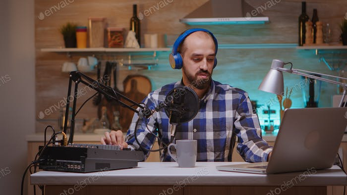 Online Show von Influencer on air