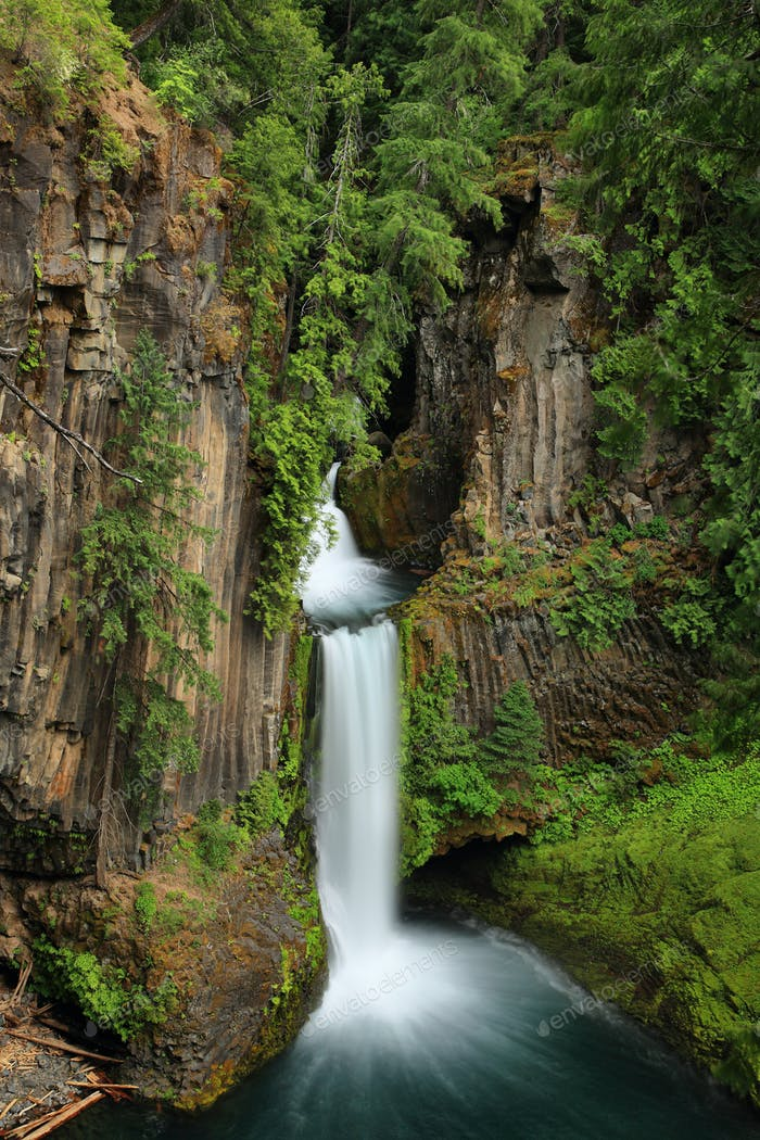Toketee Falls in Oregon