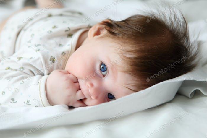 Schönes Rothaar Säugling