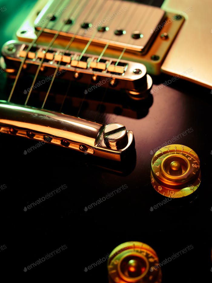 Electric guitar pickup and bridge