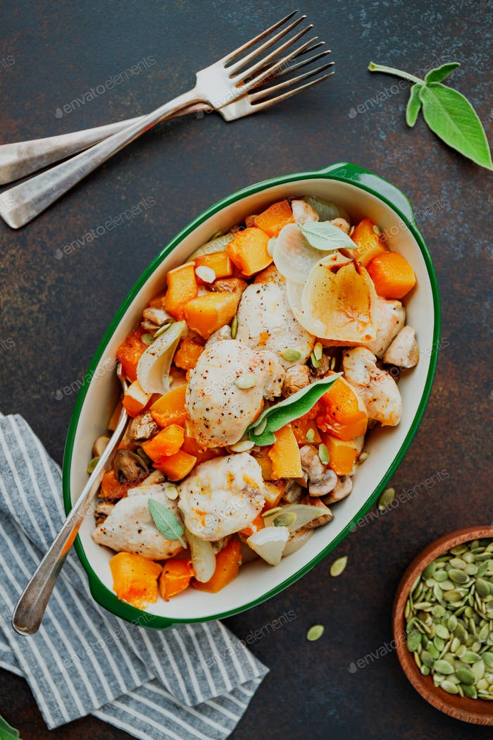 Turkey medallions with pumpkin, onion, champignons and sage