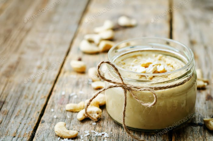 toasted cashew coconut butter