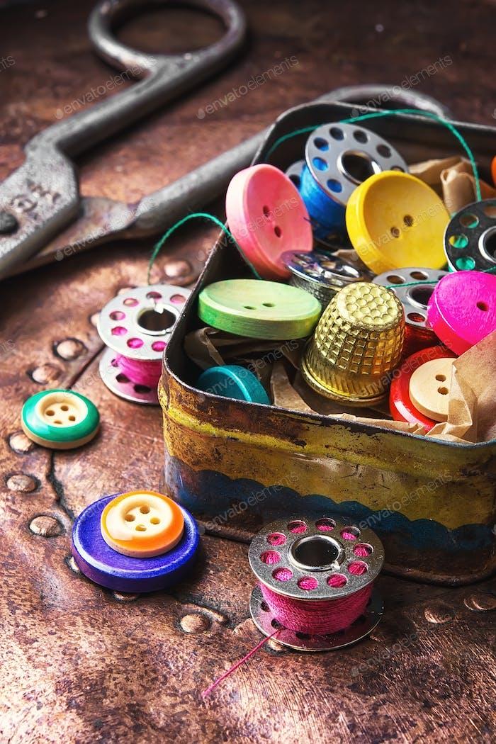 Retro sewing accessories