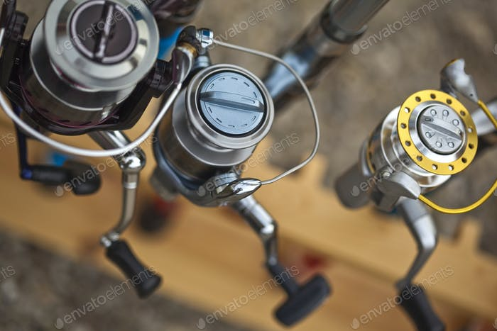 Fishing rod reels