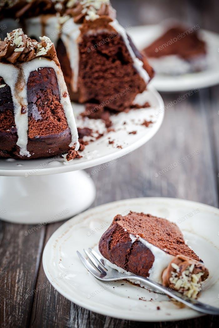 Flauschiger Bundt Kuchen ideal für Ostern oder Weihnachten