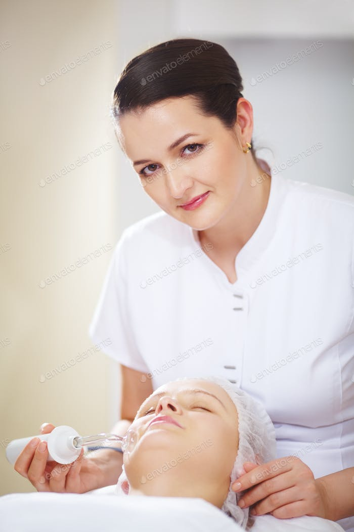 Anti-Aging-Behandlung im Schönheitssalon