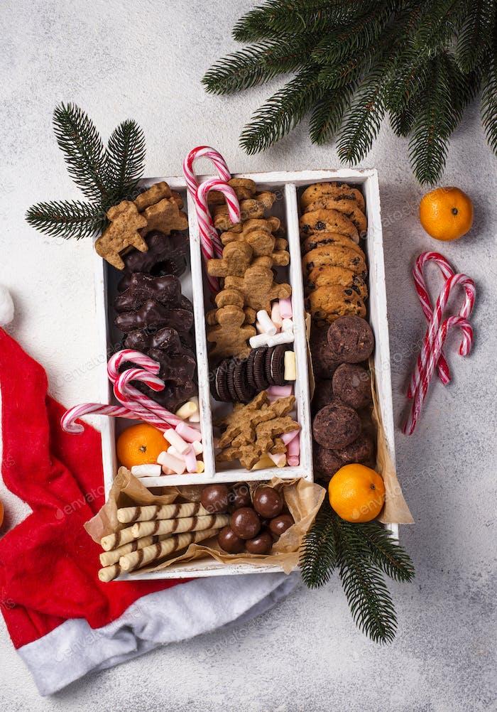Set mit verschiedenen Weihnachtsplätzchen