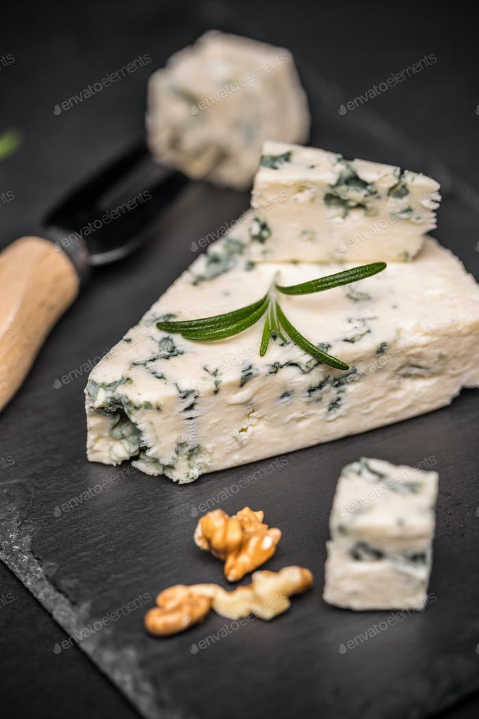 Blue cheese with nuts