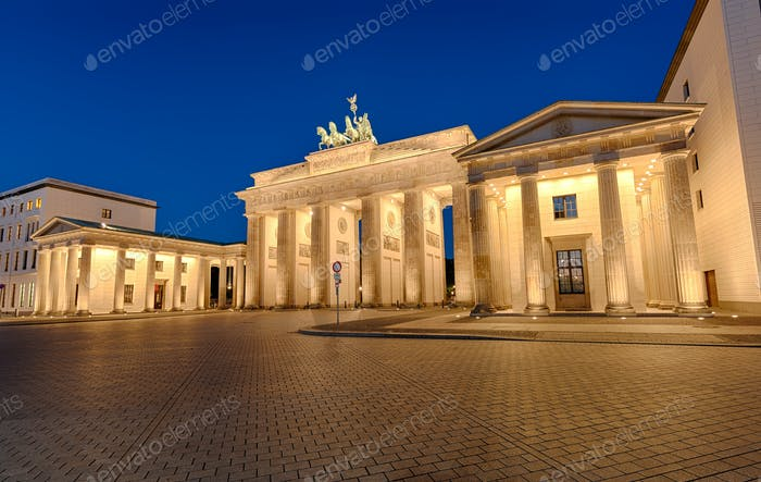 The Brandenburger Tor in Berlin at night
