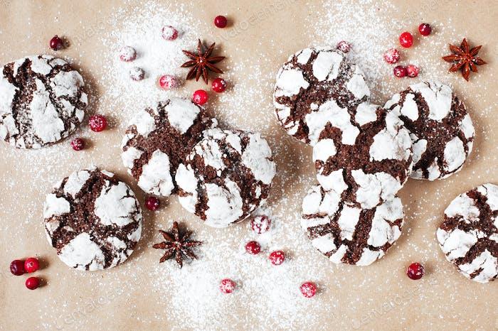 Chocolate Crinkle Cookies and Berries