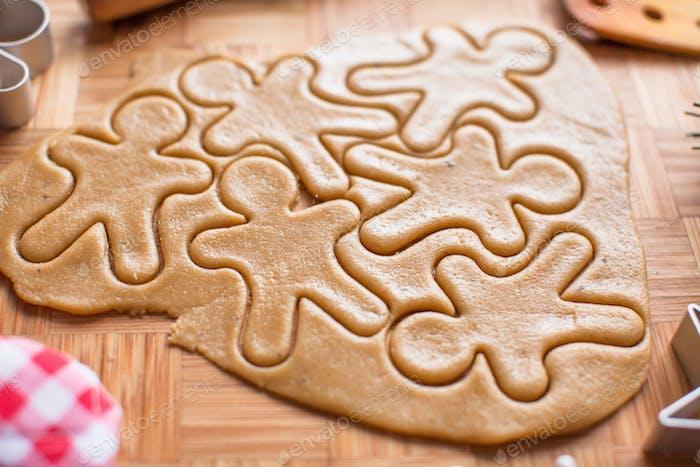 Lebkuchenmann und Weihnachtskekse machen