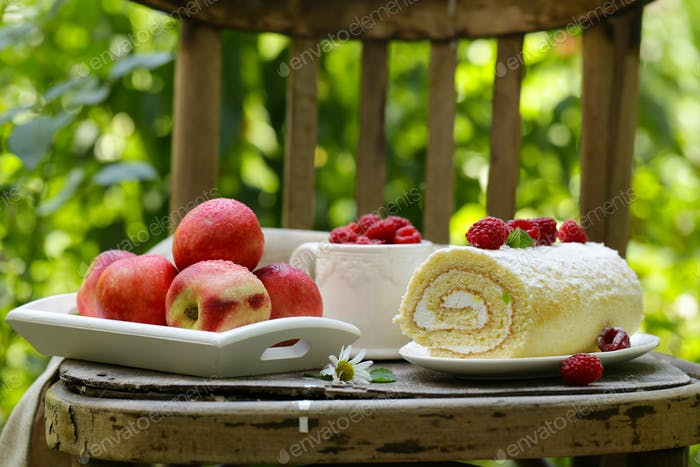 Biscuit Roll Dessert