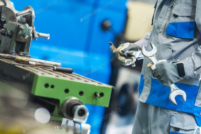 Factory Machines Mechanic