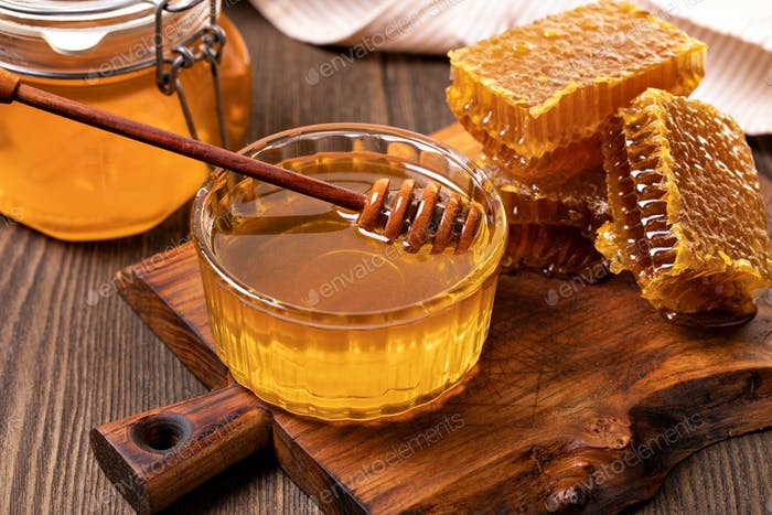 Honey and Honeycomb slice