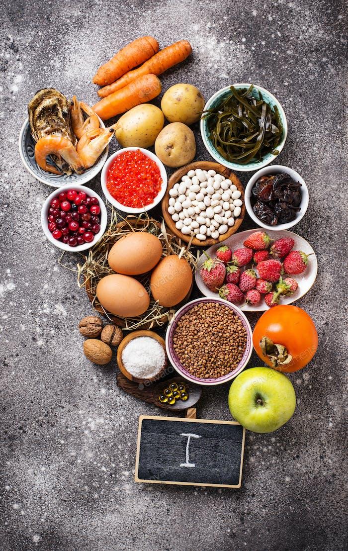 Gesunde Lebensmittel, die Jod enthalten. Produkte reich an I