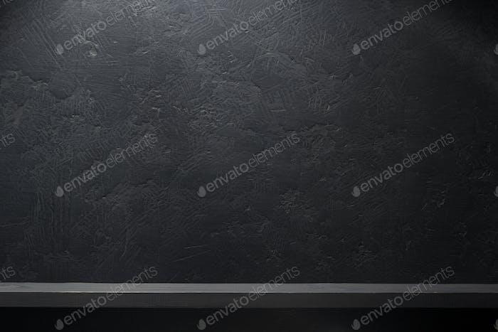 Brett auf schwarz