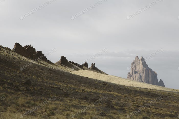 Shiprock ist ein heiliges Navajo Wahrzeichen auf der Navajo Indian Reservation in New Mexico