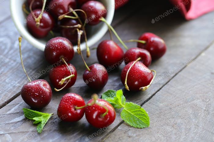 Berries of Sweet Cherry