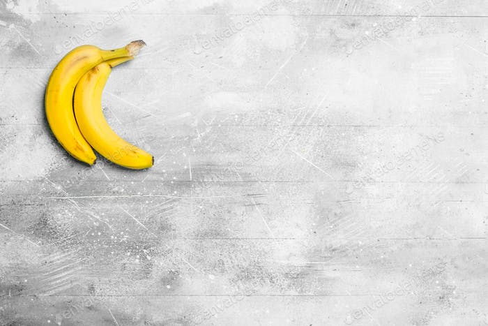 The smell of fresh bananas.