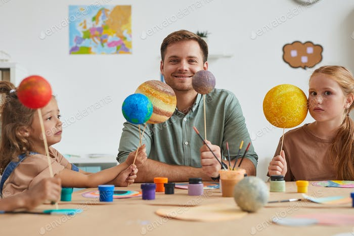 Space Themed Craft Class in Preschool