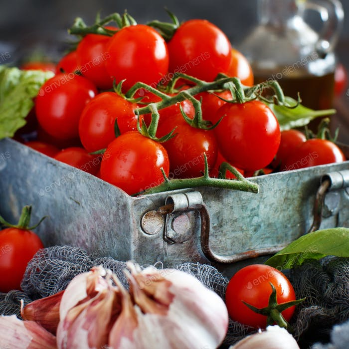 Ingredients for italian tomato sauce