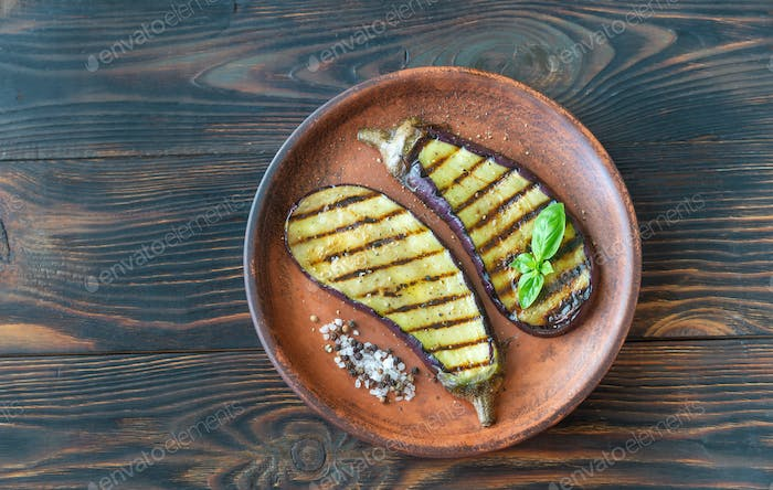 Grilled slices of aubergine