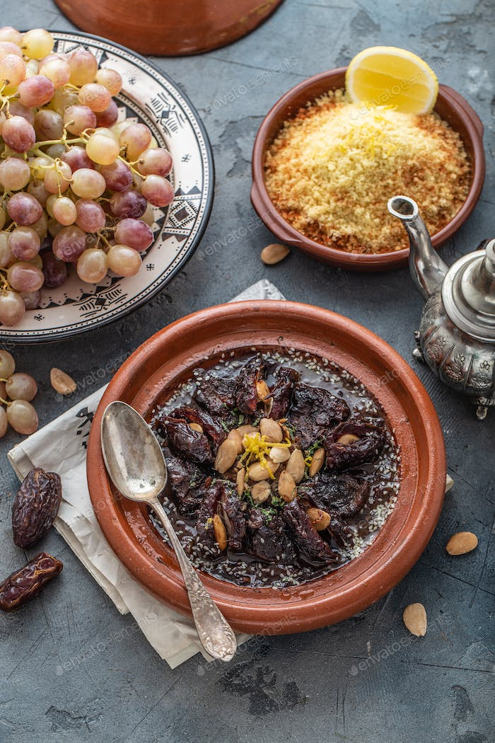 Slow cooked beef with dates, raisins and almonds - moroccan tajine