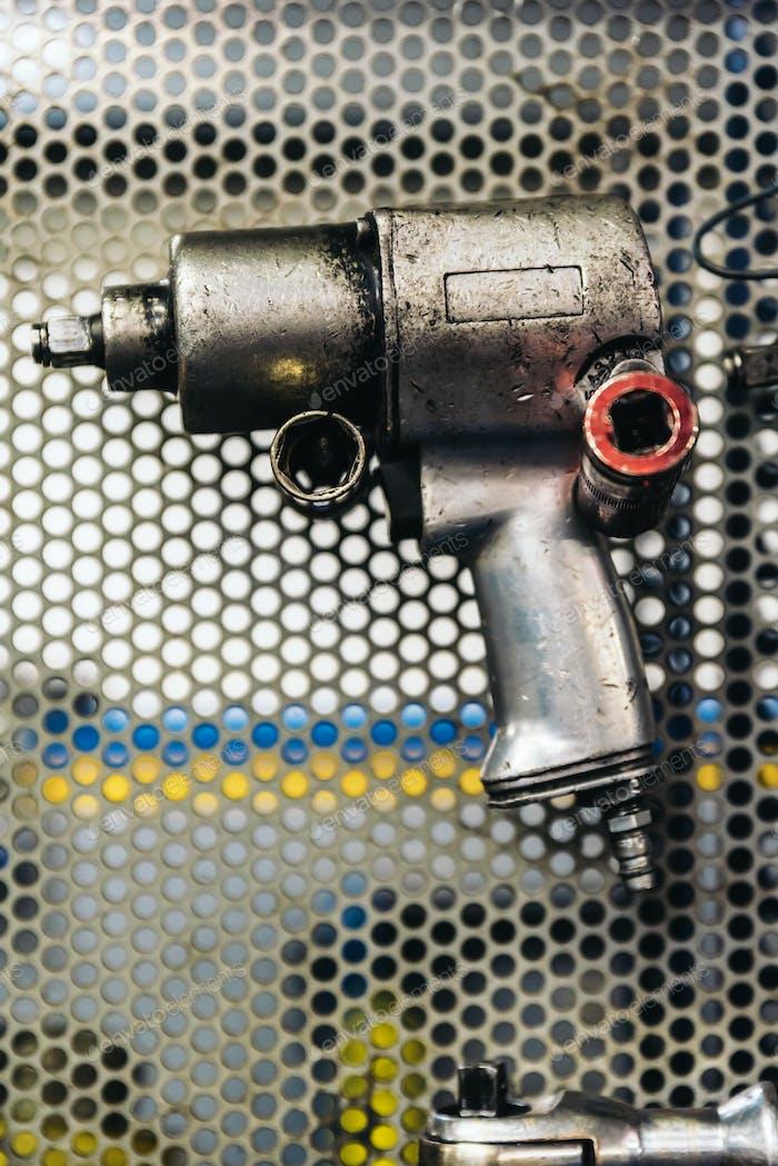 Стена инструмента «Механик».
