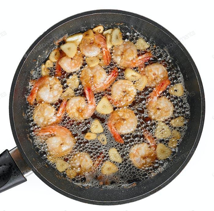 frying garlic prawns